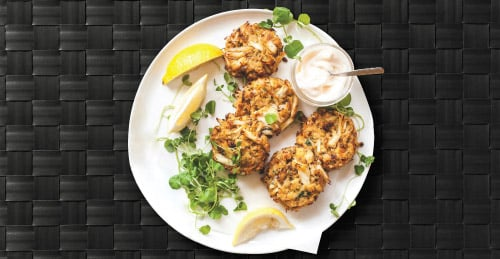 Picture of Crab Cakes on a plate with garnish